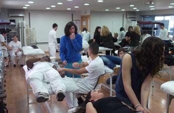 taller_puntos_gatillo_y_estiramientos_fisiomedic_academia_masaje_valencia